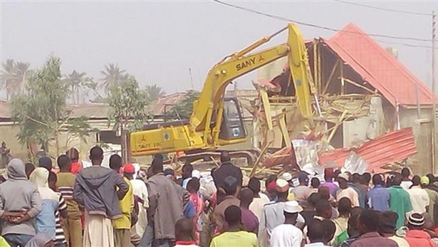 bulldozer razes the grave of Sheikh Zakzaky's mother to the ground