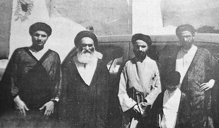 Ayatollah Qomi and His Brothers alongside Ayatollah Mirza Mahdi Shirazi